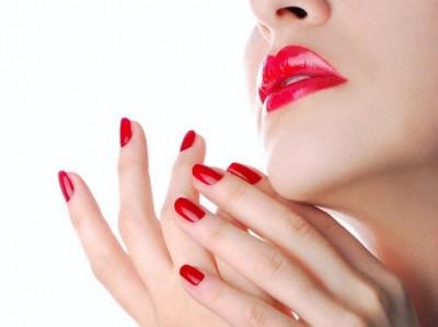 10 советов как заставить лак дольше держаться на ногтях.